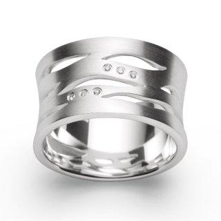 Ring 925/-Sterlingsilber mit breit gearbeiteter Ringschiene und 6 funkelnden Diamanten.